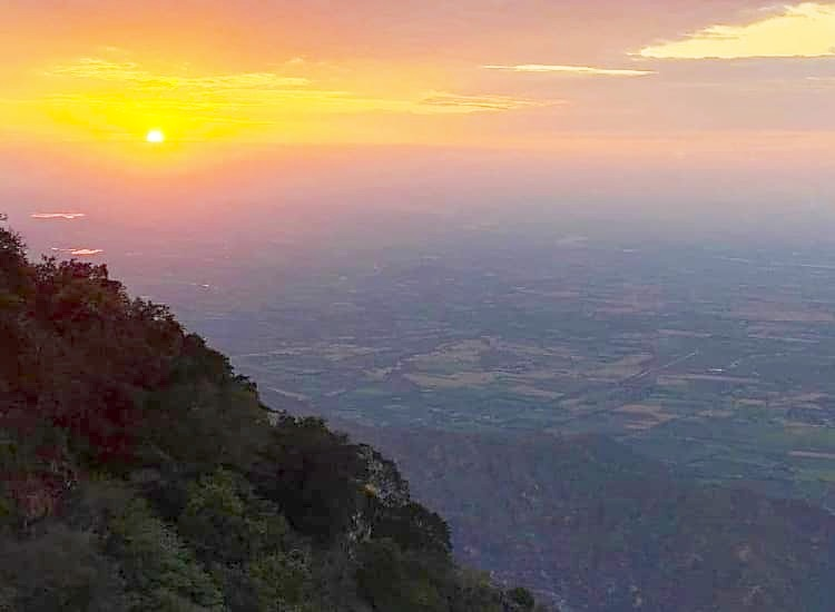 Mount Abu sunset point in Hill station