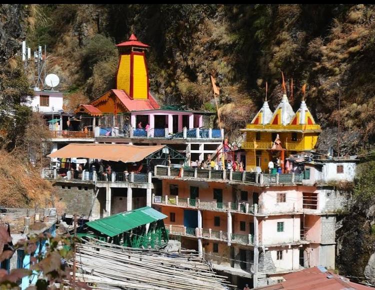 Yamunotri Temple Full view