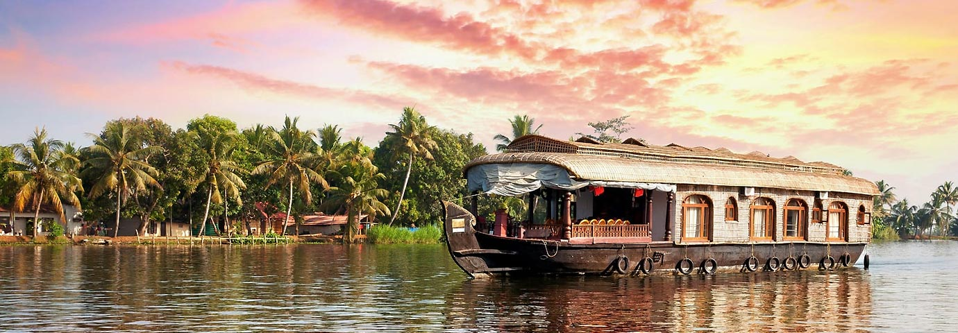 https://www.tourism-of-india.com/pictures/besttimetovisit/best-time-to-visit-kerala-backwaters-slider-12