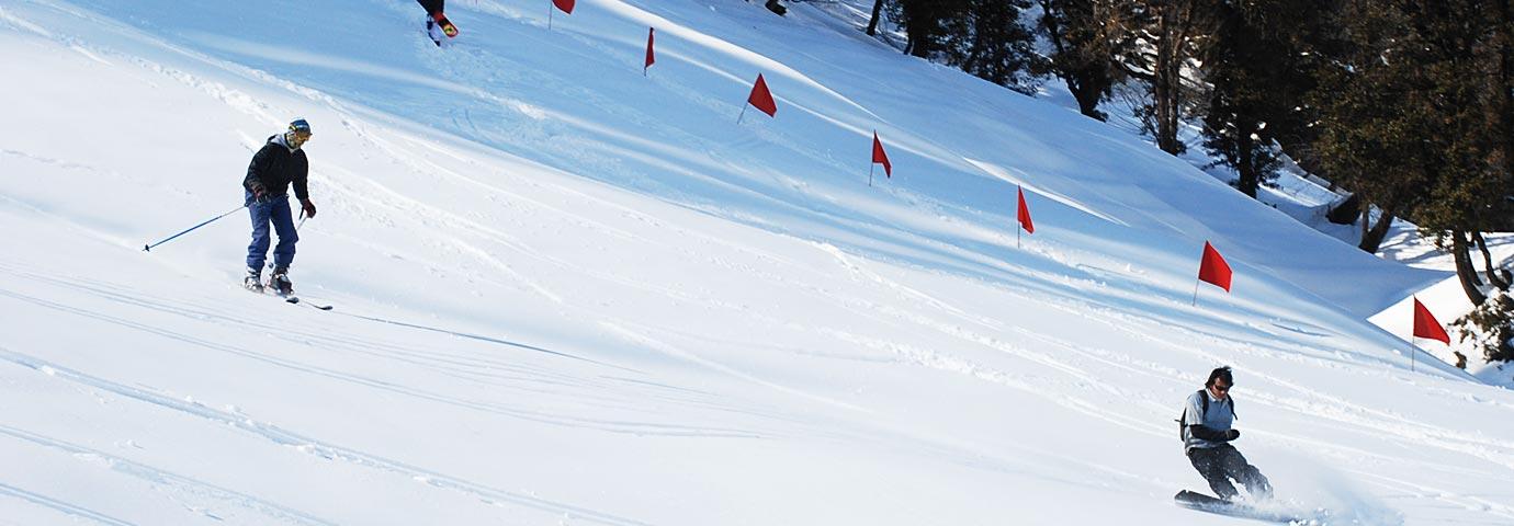 Skiing in Manali